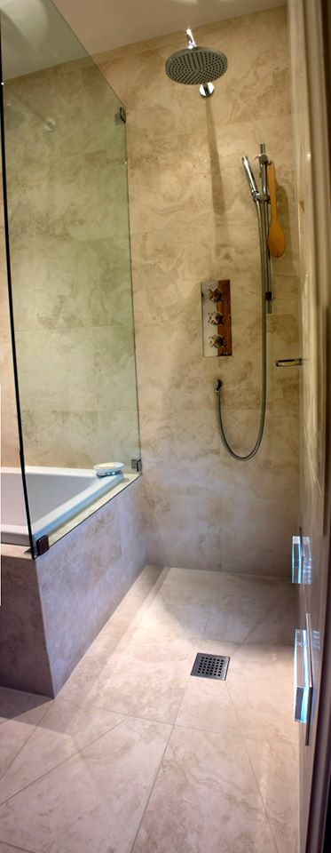 Natural stone-wetroom
